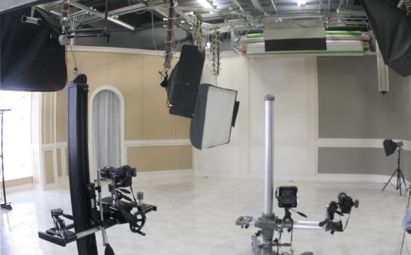 本館撮影スタジオの内観写真
